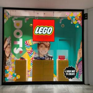 Escaparate LEGO DOTS La Vaguada